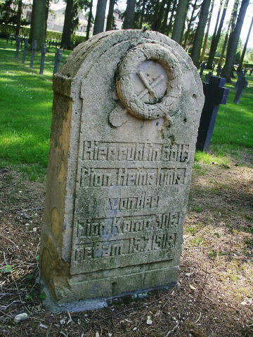 An indvidual headstone